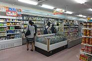 【各種イベントの様子】(売店)群馬大学の学生が1日に1回は必ず立ち寄るであろう、便利な売店にも、たくさんの参加者にご利用いただきました。