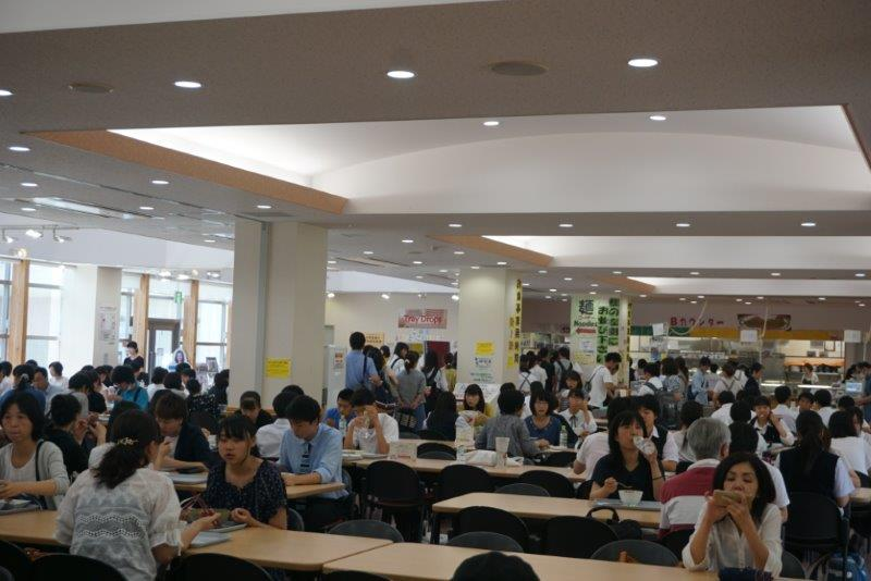 【<D-2,D-3>学生食堂、生協売店】安い!早い!美味しい!3拍子そろったランチを食べられる学生食堂もたくさんの参加者に体験していただきました。